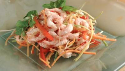 Salat-med-reker-og-grønnsaker_large
